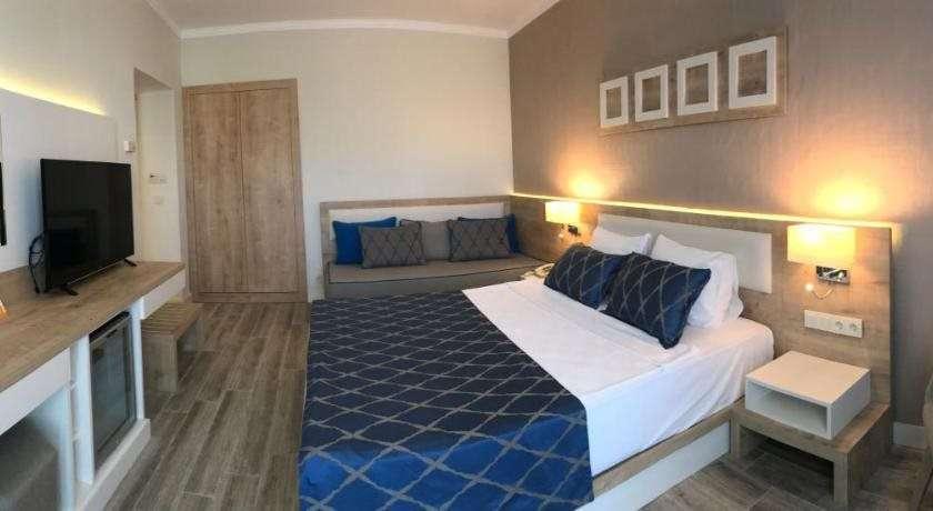 Fortezza Beach Resort Hotel