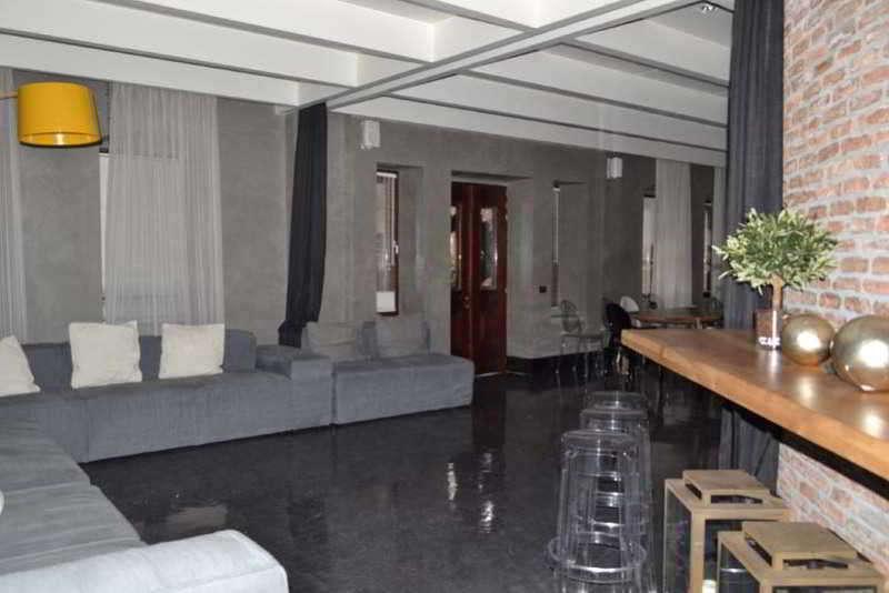 Life Gallery Hotel